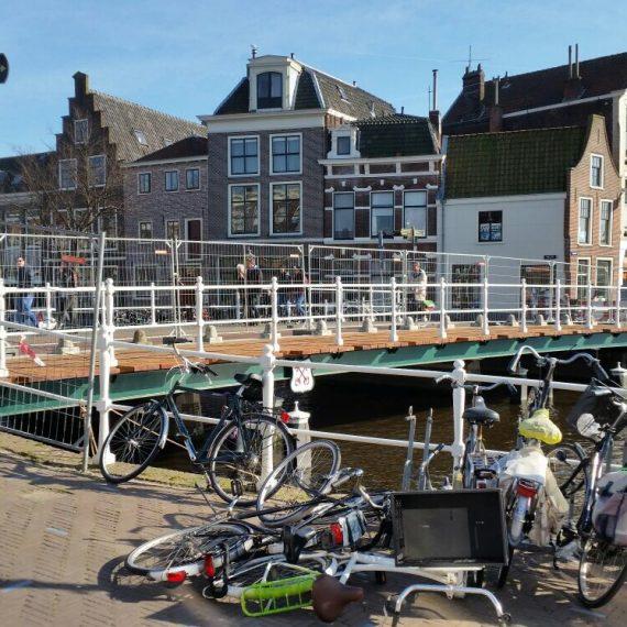 Vervangen houten brugdek Turfmarktbug