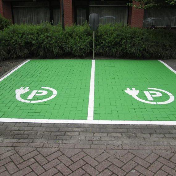 Markering en gedeeltelijke herinrichting parkeerterrein Van der Valk Hotel Wolvega-Heerenveen