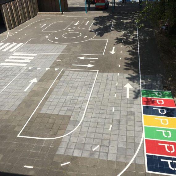 Belijning verkeerspleinen school het Kasteel Breda
