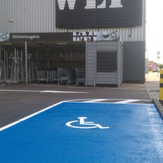 Markering vakken gehandicaptenparkeerplaats