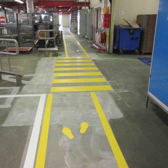Veiligheidsbelijning aangebracht productiehallen Duyvis Zaandam