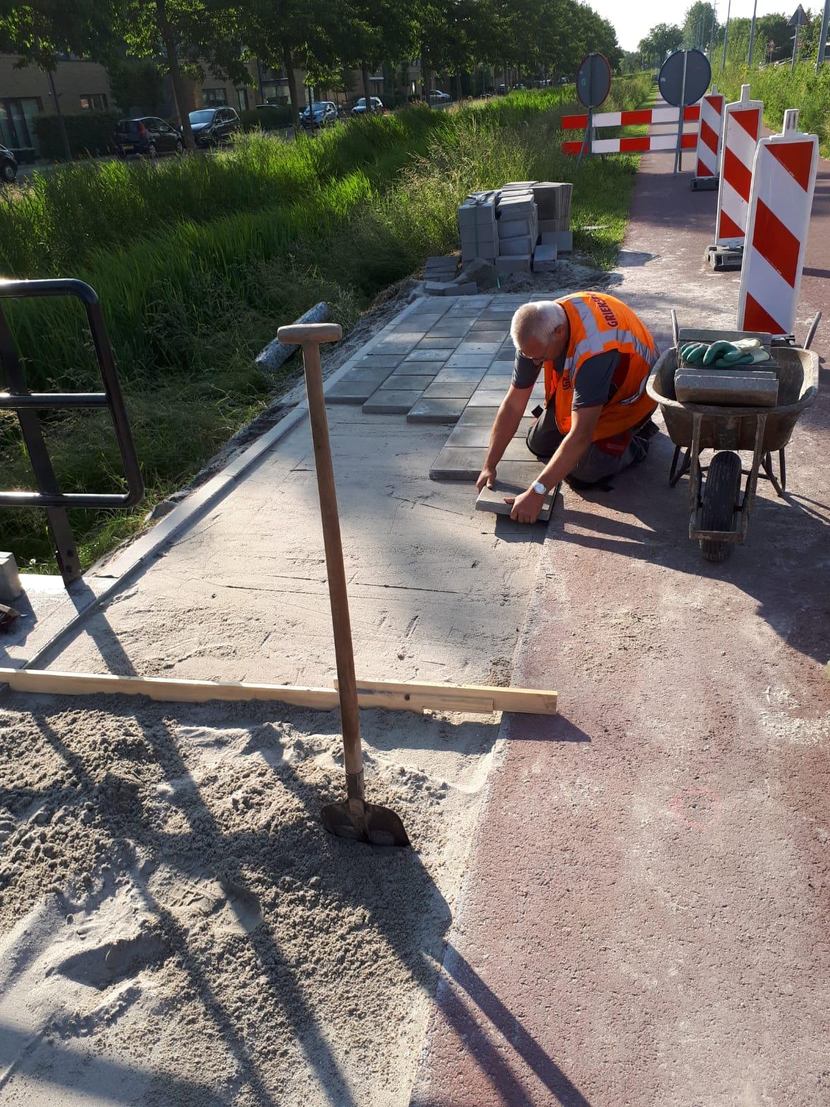 Twee nieuwe voetgangersbruggen Bennebroekerweg Hoofddorp