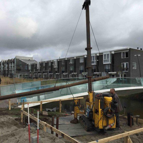 Vlakke wijkparkbrug Nieuw-Vennep